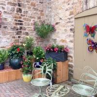 Kelly's Flowers patio