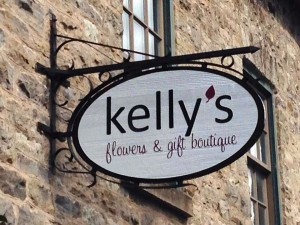 Kelly's Flowers and Gift Boutique sign