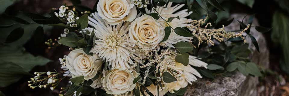 slider_bridal_white_flowers